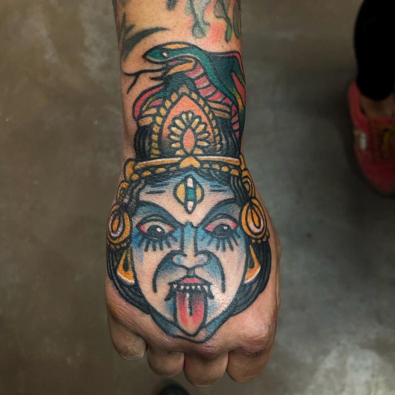 Tatuaje tradicional kali